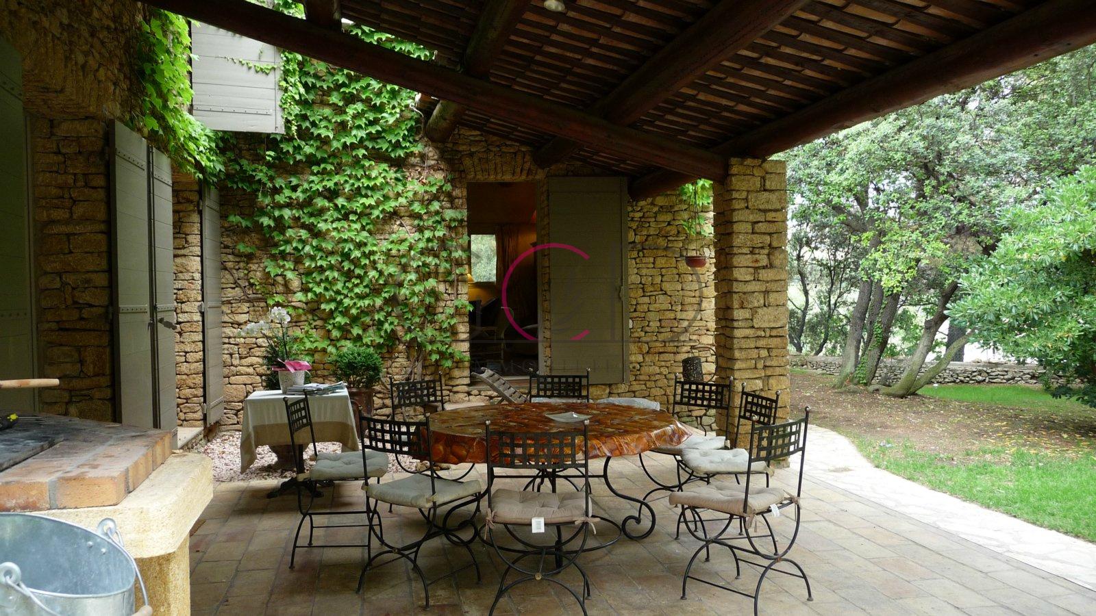 Vente superbe villa la fare les oliviers for Piscine la fare les oliviers